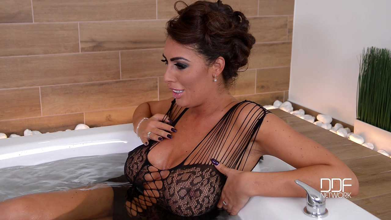 Bathtub Titty Twins: Two Lesbian Babes Masturbate With Glass Dildo