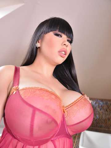 Sultry Desires - Voluptuous Babe Plays With Her Big Tits